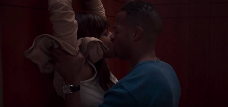 scena din fifty shades of black 2016