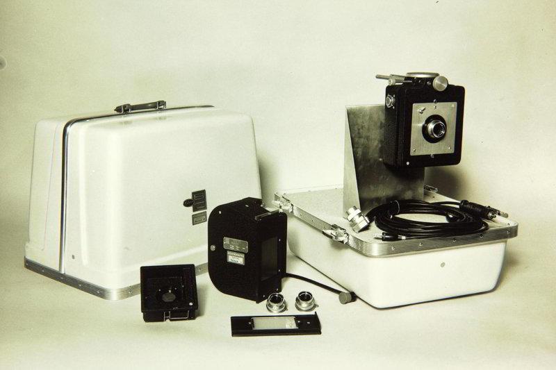 aparat foto vechi alb-negru
