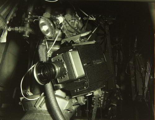 veche camera de filmat si reflector