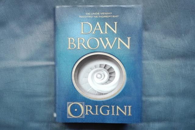 copertă origini de dan brown